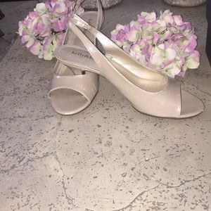 Kelly and Katie two Md a half inch heel!🌺🌺🌺